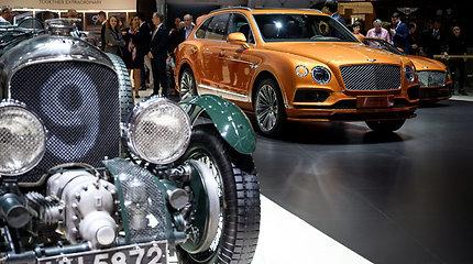 """Prabangūs """"Bentley"""" modeliai Ženevos automobilių arodoje"""