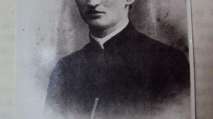 """Seimo narys siūlo """"Titanike"""" nuskendusį kunigą giminaitį Bažnyčiai paskelbti palaimintuoju"""