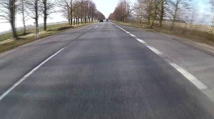 Duobėtas kelio Klaipėda-Palanga kelio ruožas – didelis kontrastas prieš rekonstruotą įvažiavimą į kurortą