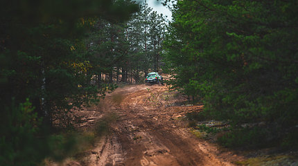 Vaidotas Žala ir Saulius Jurgelėnas išbandė Dakaro automobilį MINI