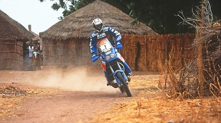 """""""Yamaha"""" motociklai Dakaro ralio trasose: Stephane'as Peterhanselis ir kitos legendos"""