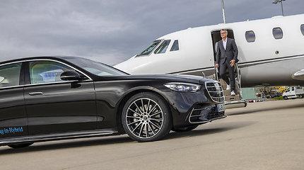 """Moderniausias """"Mercedes-Benz"""" – naujų technologijų pranašas S klasės limuzinas"""