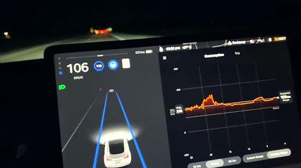 """Kiek kilometrų tarp įkrovimų """"Tesla Model 3"""" įveikia 30 °C šaltyje?"""