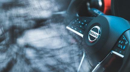 """""""Nissan"""" planuoja parduoti turimas """"Daimler"""" akcijas už daugiau nei 1 mlrd. eurų"""