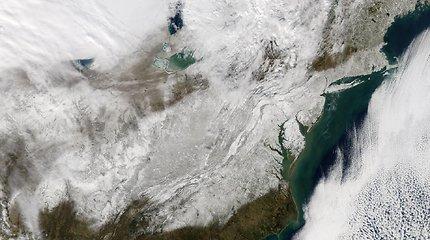 NASA nuotraukose – JAV Rytų pakrantę užgriuvusi sniego audra