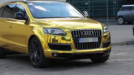 """Auksinės spalvos """"Audi Q7"""""""