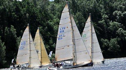 """Jachtos """"Raganosis"""" įgula: penki plaukimai – penkios pergalės"""