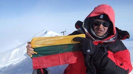 Lietuvių alpinistai įkopė į aukščiausią Šiaurės Amerikos viršūnę