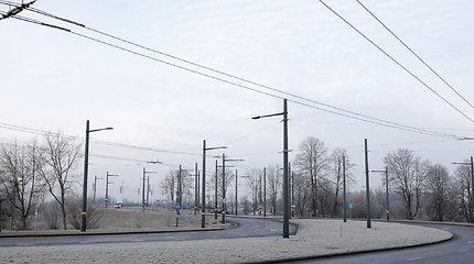 Šerkšnas Kaune sutrikdė troleibusų eismą