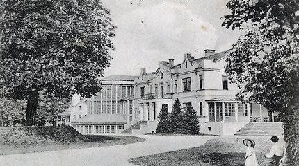 Atgims istorinė Kretingos dvaro rūmų veranda