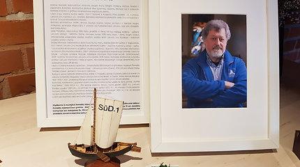 Jūrų muziejus skendi gedule: atsisveikinama su žuvusiu kurėno kapitonu R.Adomavičiumi