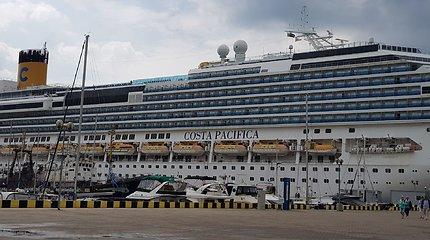 Milžinas ir nykštukas: Klaipėdoje vieši du kruiziniai laivai