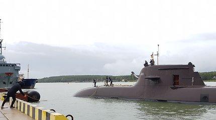 Įspūdingas svečias: į Klaipėdą atplaukė povandeninis Vokietijos karo laivas