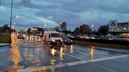Potvynis Klaipėdoje verčia ieškoti vaistų: kalti ne vien rudeniniai lapai