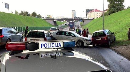 Vilniuje rytinio piko metu į masinę avariją pateko šeši automobiliai