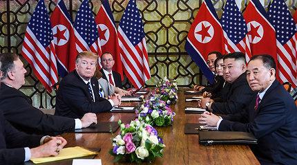 Derybose Kim Jong Unas bandė žaisti va bank, bet D.Trumpas neišdavė savo pozicijų