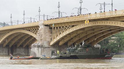 Vengrijoje apkaltintas Budapešte į kitą laivą įsirėžusio laivo kapitonas