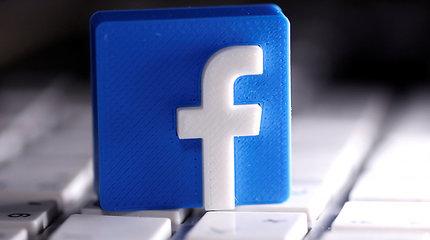 """""""Facebook"""" blokavo paskyras, susijusias su Rogeriu Stone'u ir Brazilijos prezidentu"""