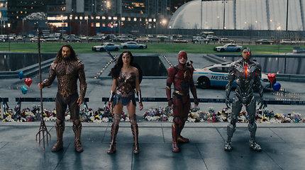 """Garsiausius superherojus suvienijusi """"Teisingumo lyga"""""""