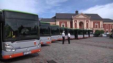 Autobuse Klaipėdoje nukritęs keleivis susilaužė blauzdikaulį