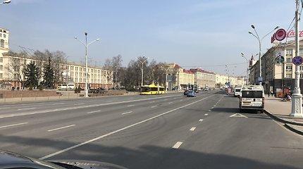 Minskas saulėtą šeštadienį – koronaviruso grėsmė išbaidė baltarusius
