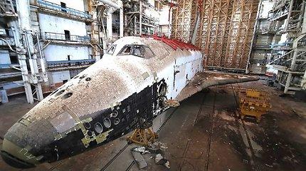 """Apleistas erdvėlaivis """"Buranas"""" Rusijos kosmodrome"""