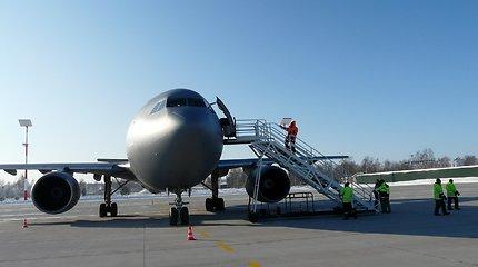 Vasarį lėktuvais gabentos gėlės aviacijai teikia vilčių