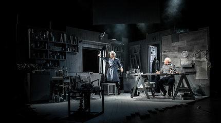 """Spektaklis """"Aš nieko neatsimenu"""" Vilniaus mažajame teatre"""