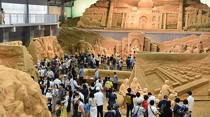 Smėlio skulptūrų paroda Japonijos Totorio mieste