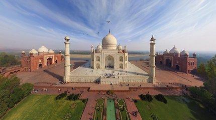Kainų šuolis: bilietai į Tadž Mahal mauzoliejų indams pabrango penkis kartus