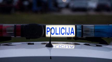 Policijos pokštas balandžio 1-ąją: vyras šoko per komisariato langą ir susilaužė abi kojas