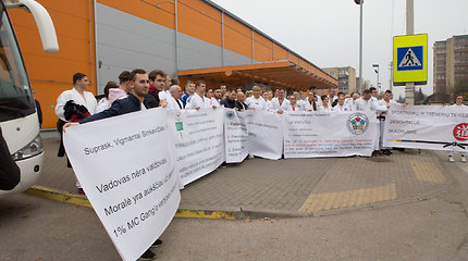 Lietuvos dziudo čempionate sportininkai protestuoja prieš prezidentą Sinkevičių