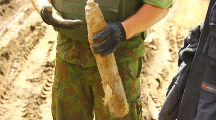Nebandykite to patys: sprogmenį Marijampolėje iškasęs vyras jį nunešė kariams