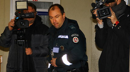 Į Panevėžio apylinkės teismą vedamas bibliotekininkės žudikas