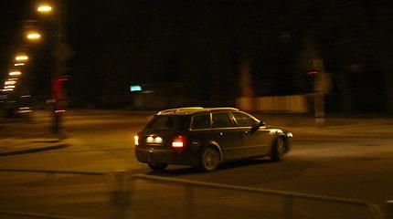 Naktį eismo sąlygas sunkins plikledis, šlapdriba
