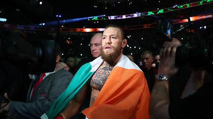 Conoras McGregoras į kovų narvą grįžo greita pergale