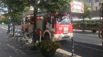 """Dėl įtartino kvapo Vilniaus centro parduotuvėje """"Zara"""" – ugniagesių sujudimas"""