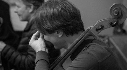 """Lino Adomaičio, Egidijaus Buožio ir Vokietijos styginių kvinteto """"G-Strings"""" koncerto repeticija"""
