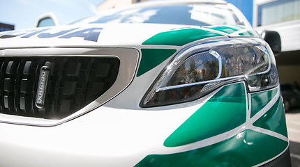 """Panevėžyje """"Mercedes"""" liko be ratų, vairo ir veidrodėlių"""