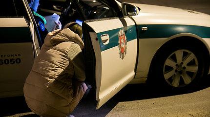 270 eurų vertės automobilio vairuotoja siautė Vilniaus Centro poliklinikos kieme