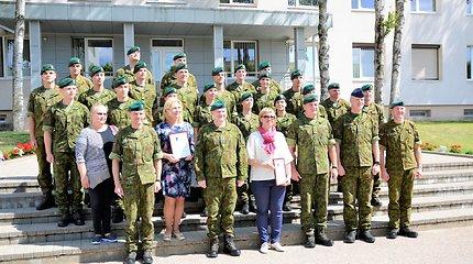 Karo akademijoje tarnybą baigė šauktinių skyrius: daugelis sieks karininko karjeros