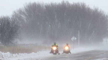 JAV smarkios audros paralyžiuoja Padėkos dienos keliones