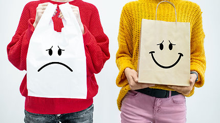 Tad kas gi yra geriau – popieriniai ar plastikiniai maišeliai?