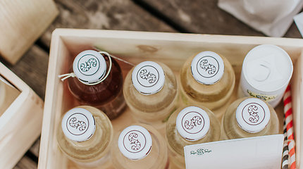 Senovinį lietuvišką gėrimą prikėlęs verslininkas – apie įgytus verslo guzus ir netikėtą globalios ekonomikos efektą