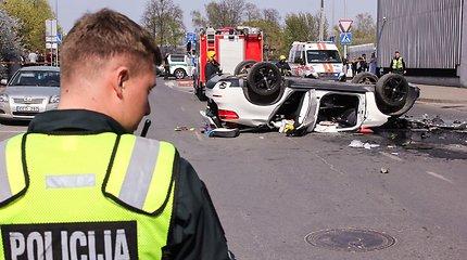 """Iš prekybos centro """"Europa"""" iškritusi vairuotoja teisme iš aikštelės savininkų reikalaus 200 tūkst. eurų"""