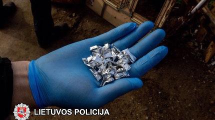 """Romų tabore įkliuvusi nėščia narkotikų prekeivė: """"Vaikus reikia prižiūrėti"""""""