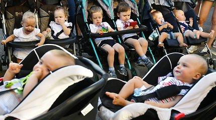 Kijeve pagerintas vienoje vietoje susirinkusių dvynukų ir trynukų šalies rekordas