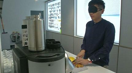 Dizaineris sukūrė inovatyvius virtuvinius įrankius, lengvinančius maisto gamybos procesą akliesiems