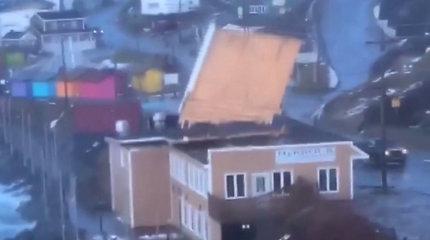 Filmuodamas vėjo šėlsmą kanadietis užfiksavo ir niokojančią jo galią