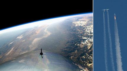 """Svajonės apie kosmoso turizmą greitai gali virsti tikrove – """"Virgin Galactic"""" erdvėlaivis pakilo iki kosmoso ribos"""